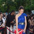 """Laury Thilleman (Miss France 2011) arrive au dîner de la 7e édition du """"Global Gift Gala"""" à Paris, le 16 mai 2017."""