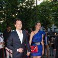 """Juan Arbelaez et sa compagne Laury Thilleman (Miss France 2011) arrivent au dîner de la 7e édition du """"Global Gift Gala"""" à Paris, le 16 mai 2017."""