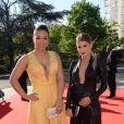 Exclusif - Prix spécial - No Web - Isabele da silva (femme de T. Silva), Carol Cabrino (compagne de Marquinhos) - Dîner de gala au profit de la Fondation PSG au Parc des Princes à Paris le 16 mai 2017.