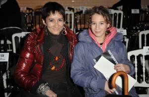 La chanteuse et comédienne Caroline Loeb vous présente sa fille Louise !