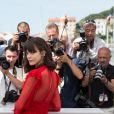 """Stacy Martin au photocall du film """"Redoutable"""" lors du 70ème Festival International du Film de Cannes, France, le 21 mai 2017. © Borde-Jacovides-Moreau/Bestimage  Celebs attending the """"Redoutable"""" photocall during the 70th International Cannes Film Festival at Palais des Festivals in Cannes, France on May 21, 2017.21/05/2017 - Cannes"""
