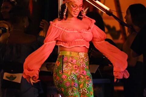 Rihanna, armée de ses formes, réagit au fat shaming et se montre ultrasexy