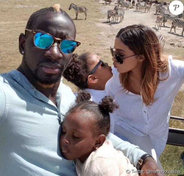 Mamadou Sakho en vacances en Tanzanie avec sa femme Majda et leurs deux filles Aïda et Sienna, juin 2017.