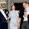 Le prince Carl Philip et la princesse Sofia (Hellqvist), Chris O'Neill et son fils le prince Nicolas - Baptême du prince Oscar de Suède à Stockholm en Suède le 27 mai 2016.