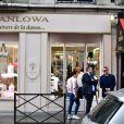 Céline Dion et ses enfants Eddy et Nelson ont quitté l'hôtel Royal Monceau pour aller à la boutique Stanlowa à Paris, le 27 juin 2017.
