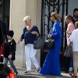 La chanteuse Céline Dion et ses enfants Eddy et Nelson sortent de l'hôtel Royal Monceau pour aller à la boutique Stanlowa à Paris le 27 juin 2017