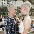 """Katy Perry et Cara Delevingne - Défilé de mode """"Chanel"""", collection Haute Couture automne-hiver 2017/2018, au Grand Palais à Paris. Le 4 juillet 2017. © Olivier Borde/Bestimage"""