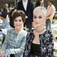 """Katy Perry et sa mère Mary - Défilé de mode """"Chanel"""", collection Haute Couture automne-hiver 2017/2018, au Grand Palais à Paris. Le 4 juillet 2017. © Olivier Borde/Bestimage"""
