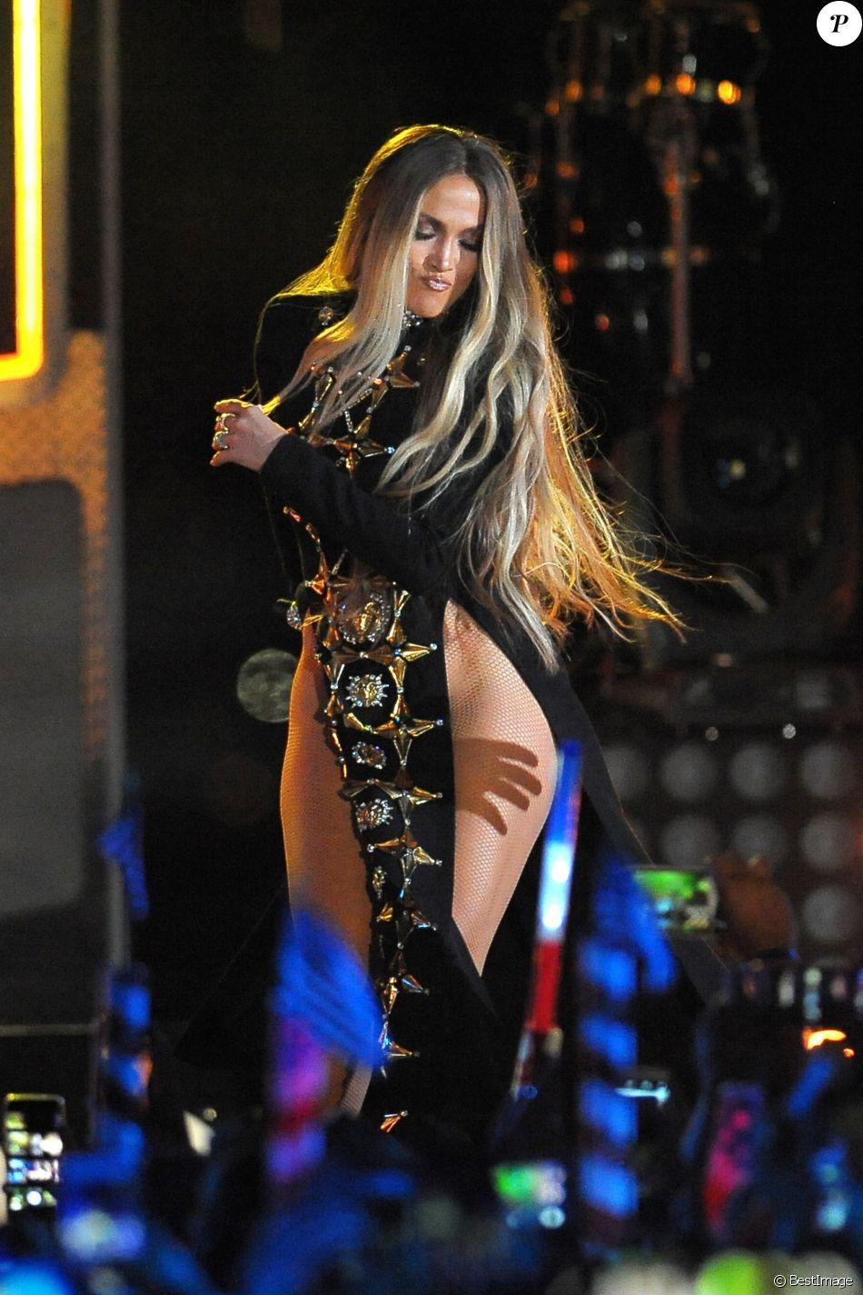 """Jennifer Lopez au concert """"Macy 4th of July Fireworks Spectacular"""" à New York, le 30 juin 2017. Le concert a été diffusé le 4 juillet."""