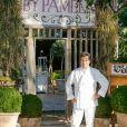"""Exclusif - Le chef Christophe Leroy lors de l'Ouverture du restaurant vegan éphémère de Pamela Anderson """"La Table du Marché by Pamela"""" à Ramatuelle le 4 juillet 2017. La Table du Marché, c'est son nom, d'une capacité de 250 couverts ouvrira tous les soirs pendant 50 jours dans le cadre privilégié du restaurant du chef Christophe Leroy, les Moulins de Ramatuelle aux environs de Saint-Tropez. Celui-ci a prêté à Pamela Anderson son auberge de campagne et décline pour elle les thèmes """"végan, romantique, dolce vita et féministe"""". © Philippe Doignon/Bestimage"""