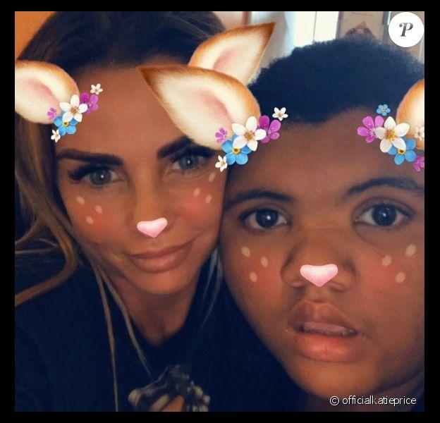 Katie Price et son fils Harvey - Photo publiée sur Instagram le 1er juin 2017