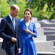 Le prince William et la duchesse Catherine de Cambridge dans le champ des stèles du mémorial de l'Holocauste à Berlin le 19 juillet 2017.