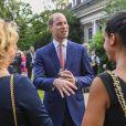 Le prince William rencontre les invités lors de la garden party organisée par l'ambassadeur de Grande-Bretagne à Berlin, Sebastian Wood, le 19 juillet 2017 en l'honneur de l'anniversaire de la reine.