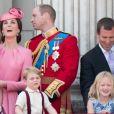 """Le prince Philip, duc d'Edimbourg, Catherine Kate Middleton , duchesse de Cambridge, la princesse Charlotte, le prince George, le prince William, duc de Cambridge, Peter Phillips et Savannah Phillips - La famille royale d'Angleterre assiste à la parade """"Trooping the colour"""" à Londres le 17 juin 2017."""