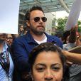 Ben Affleck ('Justice League') salue ses fans lors du Comic Con 2017 à San Diego, le 22 juillet 2017