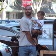 Exclusif - L'acteur Jesse Williams est allé déjeuner avec ses enfants Sadie et Maceo, dont il tente d'obtenir la garde après son divorce. Le 21 juillet 2017