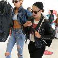 Semi Exclusif - Kristen Stewart et sa compagne Stella Maxwell arrivent à l'aéroport de Orly en provenance de Brives le 16 juin 2017.