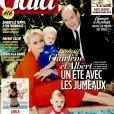La princesse Charlene et le prince Albert II de Monaco avec les jumeaux Jacques et Gabriella en couverture du numéro 1207 du magazine Gala, le 27 juillet 2016.