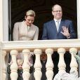 Le prince Albert II de Monaco et la princesse Charlene au balcon du palais princier avec le prince Jacques et la princesse Gabriella lors de la procession de la Sainte Dévote à Monaco le 27 janvier 2017. © Claudia Albuquerque / Bestimage