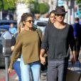 Exclusif - Nikki Reed et son mari Ian Somerhalder se promènent main dans la main dans la rue à Beverly Hills, le 21 novembre 2016.