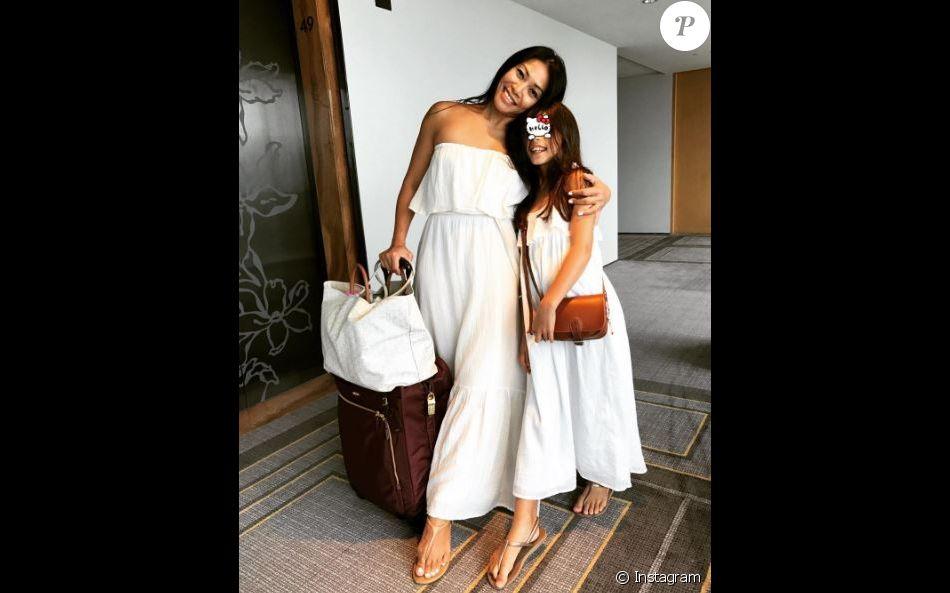 Anggun et sa fille Kirana complices et jamais très loin de  Christian Kretschmar.