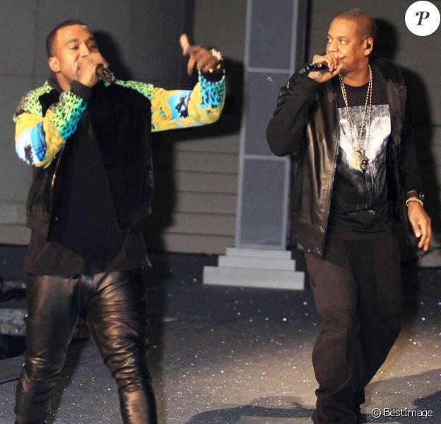 IKanye West et Jay Z lors du Victoria's Secret Fashion Show organisé à New York le 9 novembre 2011.