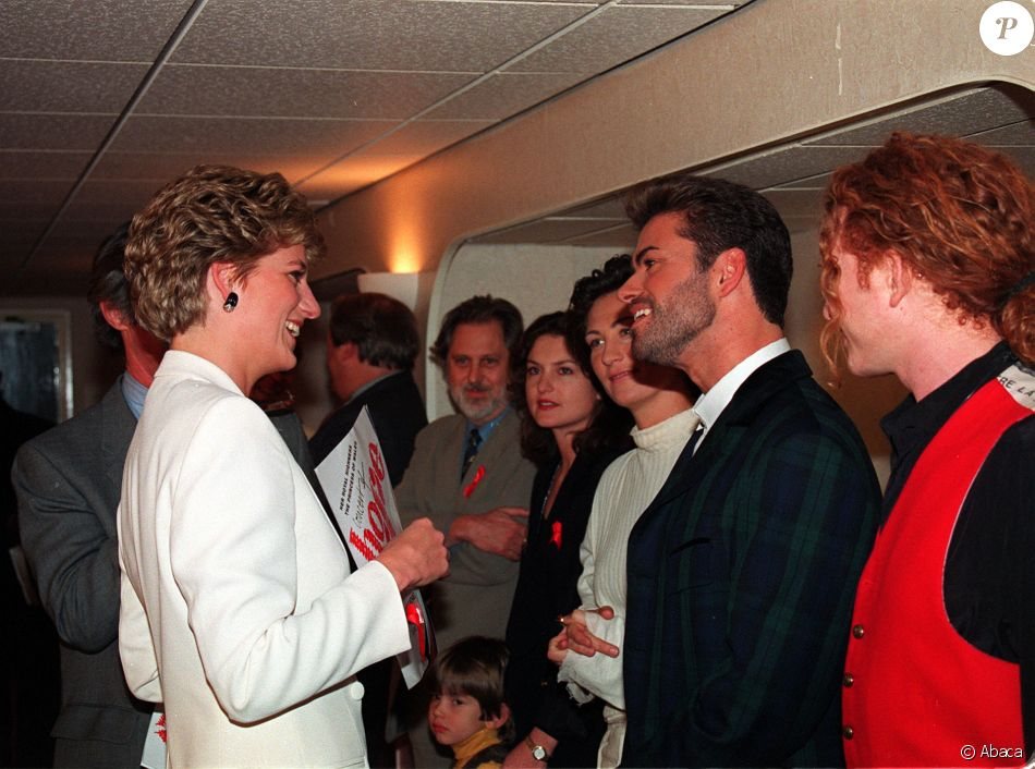La Princesse Diana Et George Michael Au Stade De Wembley Londres Le 1er Dcembre 1993