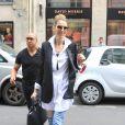 Exclusif - Céline Dion fait du shopping dans les enseignes luxueuses de la capitale à Paris le 9 août 2017