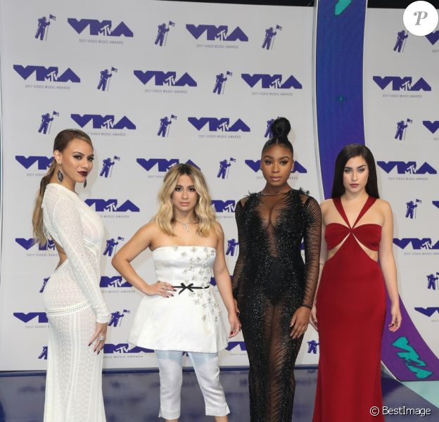 Fifth Harmony (Ally Brooke, Normani Kordei, Lauren Jauregui, Dinah Jane) à la soirée MTV Video Music Awards 2017 au Forum à Inglewood, le 27 août 2017.