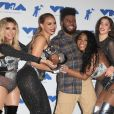 Fifth Harmony (Ally Brooke, Normani Kordei, Lauren Jauregui, Dinah Jane) avec Khalid à la soirée MTV Video Music Awards 2017 au Forum à Inglewood, le 27 août 2017.