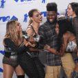 Fifth Harmony (Ally Brooke, Normani Kordei, Lauren Jauregui, Dinah Jane) avec Khalid à la soirée MTV Video Music Awards 2017 au Forum à Inglewood, le 27 août 2017.