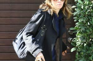 Jessica Biel : robe cintrée, sublime veste, et lunettes noires... le trio gagnant de son look d'enfer !