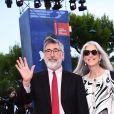 John Landis et sa femme Deborah Nadoolman Landis arrivent à la cérémonie de clôture du 74ème Festival International du Film de Venise (Mostra), le 9 septembre 2017.
