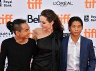 Angelina Jolie, maman fière et radieuse avec Maddox (16 ans) et Pax (13 ans)