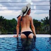 Amber Heard : Fesses moulées et topless dans sa piscine, elle s'éclate à Bali