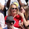 """""""Estelle Lefebure et sa fille Emma Hallyday - Personnalités dans les tribunes lors des internationaux de France de Roland Garros à Paris. Le 10 juin 2017. © Jacovides - Moreau /"""""""