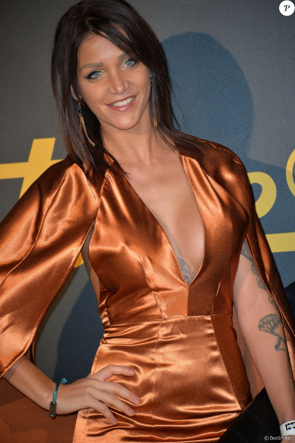 Julia Paredes - Cérémonie des Melty Future Awards 2016 au Grand Rex à Paris, le 16 février 2016.