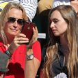 Estelle Lefebure et sa fille Emma Hallyday - Personnalités dans les tribunes lors des internationaux de France de Roland Garros à Paris. Le 10 juin 2017. © Jacovides - Moreau / Bestimage