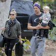 """""""Fergie et son mari Josh Duhamel emmènent leur fils Axl s'amuser au parc à Brentwood, le 14 janvier 2016"""""""