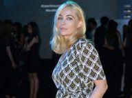 Emmanuelle Béart, 54 ans et toujours aussi sexy, pose devant un miroir...