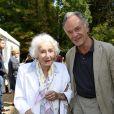 """Gisèle Casadesus et son fils Jean-Claude - 19e édition de """"La Forêt des livres"""" à Chanceaux-près-Loches, le 31 août 2014."""