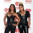 """Rozonda Thomas et  Tionne Watkins du groupe TLC - People sur le tapis rouge du """" Iheart Radio """" à Las Vegas Le 21 septembre 2013"""