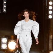 Fashion Week : Kaia Gerber (16 ans) se mesure à Gigi Hadid et Naomi Campbell