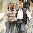 """""""Jennifer Love Hewitt fait du shopping avec un ami"""""""