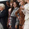 Bianca Balti, Helen Mirren, Cheryl Cole, Jane Fonda - Défilé de mode L'Oréal Paris sur l'avenue des Champs-Elysées lors de la fashion week à Paris, le 1er octobre 2017.