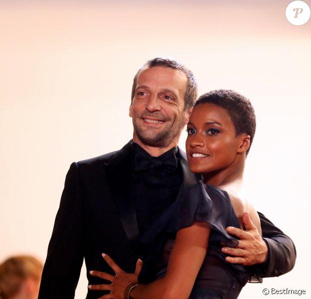 """Mathieu Kassovitz et sa compagne Aude Legastelois (Habillée en Dior) - Montée des marches du film """"Happy End"""" lors du 70ème Festival International du Film de Cannes. Le 22 mai 2017. © Borde-Jacovides-Moreau/Bestimage"""
