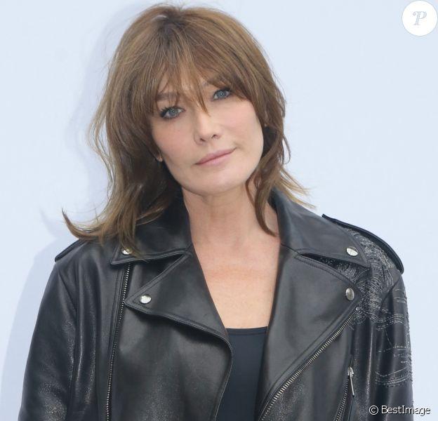 Semi-exclusif - Carla Bruni-Sarkozy - People au photocall du défilé de mode Valentino collection prêt-à-porter Printemps/Eté 2018 lors de la fashion week à Paris le 1er octobre 2017.