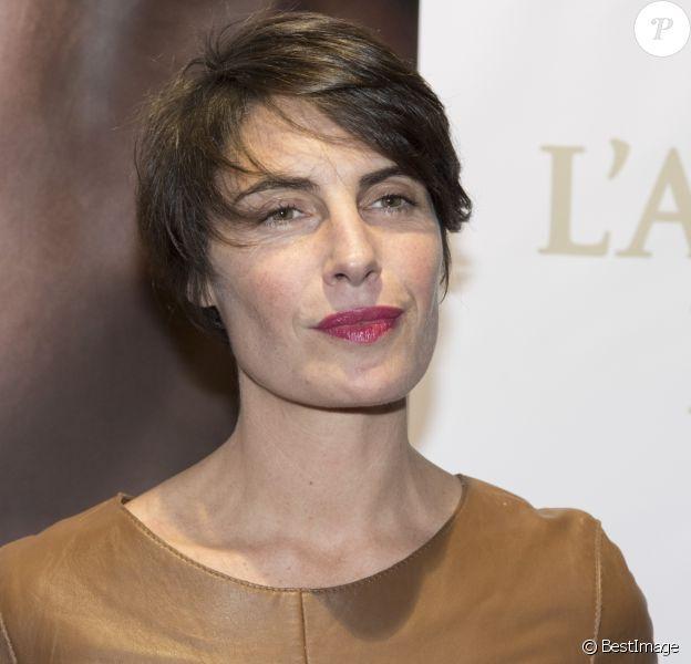 """Alessandra Sublet à la première de """"La Confession"""" au cinéma UGC des Halles à Paris, le 2 mars 2017. © Pierre Perusseau/Bestimage"""