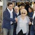 """Claude Chirac et sa mère Bernadette Chirac - Le Variétés Club de France dispute un match caritatif présidé par madame Chirac au profit de l'opération """"+ de Vie"""", en faveur des personnes âgées accueillies dans les services de gériatrie et d'URMA, service pédiatrie du CHU de Montpellier, parrainé par Laurent Blanc au stade Léo-Lagrange de Poissy, le 11 Octobre 2017. © Marc Ausset-Lacroix/Bestimage"""