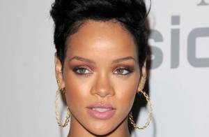 Rihanna, sur scène ou sur tapis rouge... la sexy star du Rn'B a toujours des looks incroyables !
